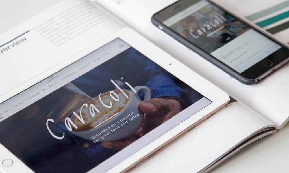 Caracoli website on ipad and phone